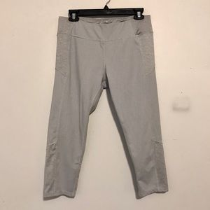 Women's 3/4 WorkOut Yoga Pant - Large